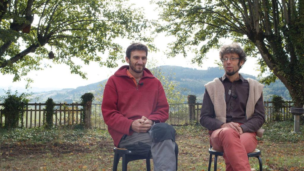 Guillaume (à gauche) et Bruno (à droite) sur la terrasse du château de MagnyÉthique